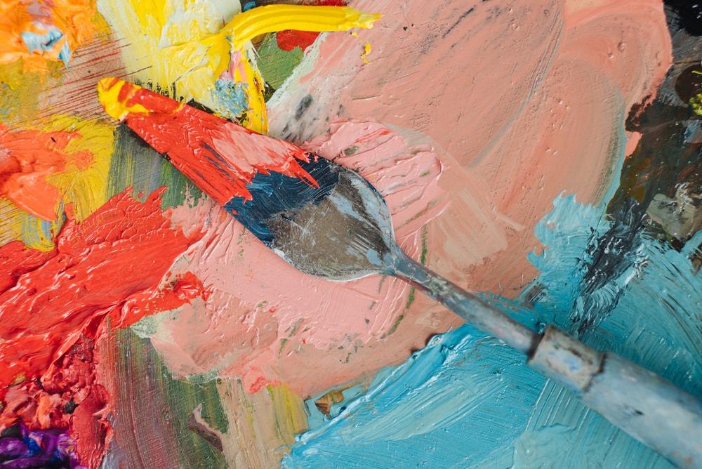 Más allá del papel pintado y el gotelé