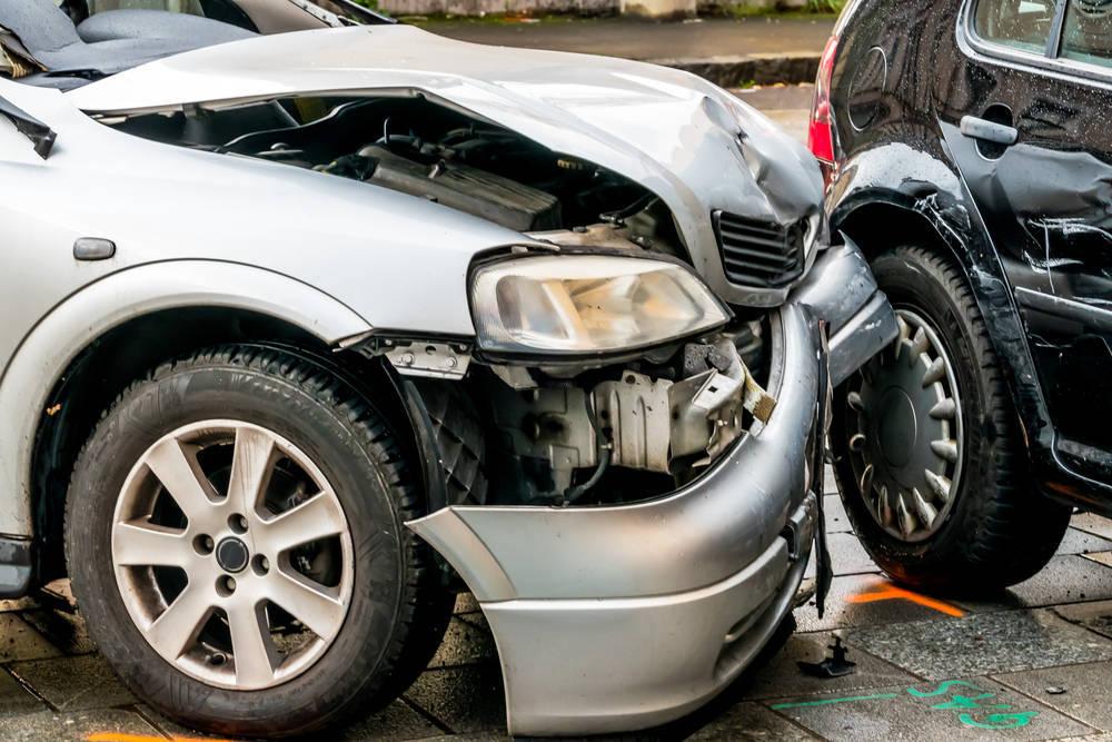 Recambios y accesorios para automóviles, mejor en un desguace