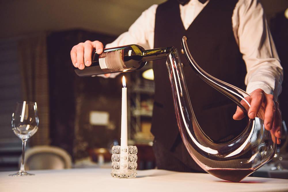 Decantadores de vino, lo que no puede faltar en una buena cata